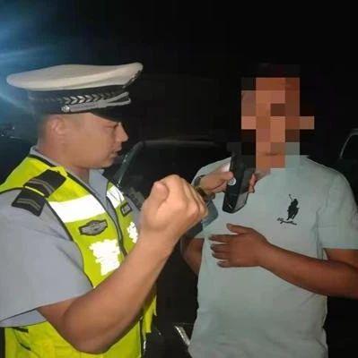 潢川一男子喝了3两白酒还敢开车,被交警查获,结果...